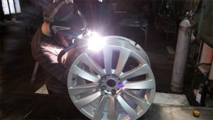 ремонт литых дисков, правка литых кованых дисков